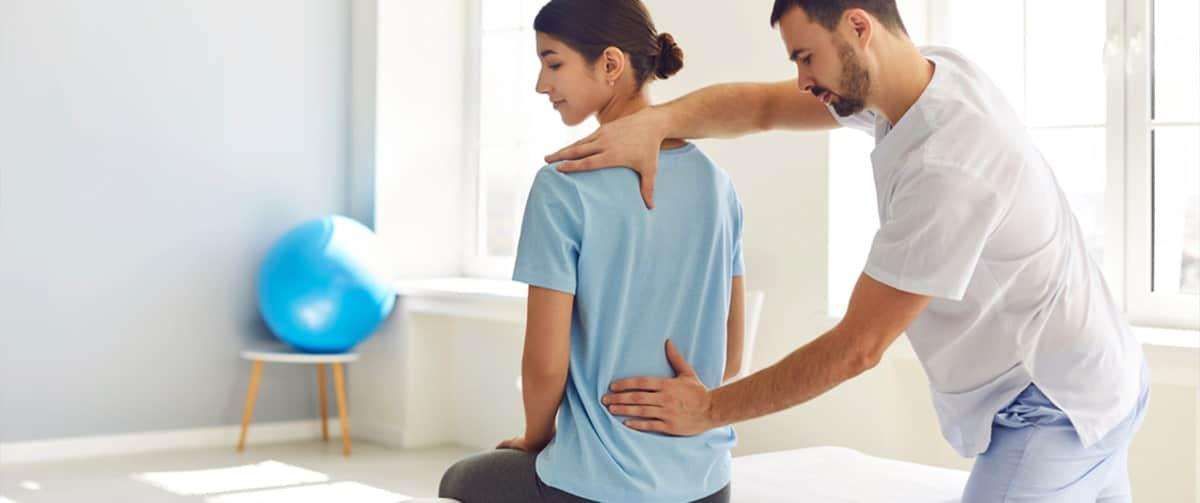 La physiothérapie pour aider à soigner une hernie discale avec des douleurs lombaires
